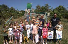 Дмитрий Судавцов помог семьям собрать детей в школу
