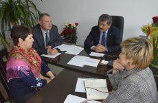 В Новоалександровском районе состоялся прием граждан депутатом ГД ФС РФ Александром Ищенко