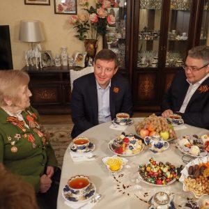 Андрей Турчак и Владимир Владимиров побывали в гостях у ветерана