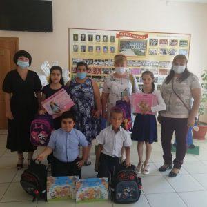 В Новоалександровском городском округе проводится благотворительная акция «Собери ребенка в школу»