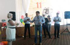 Дмитрий Судавцов поздравил директора МБОУ СОШ №11 имени И.А. Бурмистрова Ирину Серикову с юбилеем