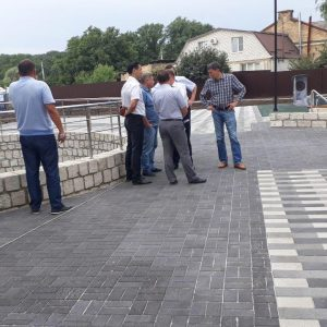 Дмитрий Судавцов проконтролировал ход работ по реконструкции холодного родника по ул. Пригородной
