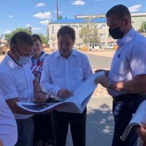Михаил Кузьмин, депутат ГД РФ вместе с представителем Губернатора края Владиславом Никишиным с рабочим визитом посетил Грачевский район.