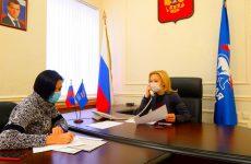 Ольга Тимофеева провела дистанционный прием граждан в региональной общественной приемной в Ставрополе