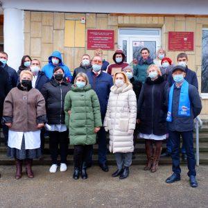 Ольга Тимофеева от имени «ЕДИНОЙ РОССИИ» передала в Новоалександровскую  больницу средства защиты