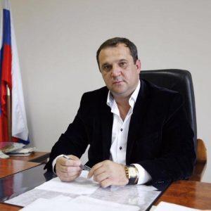 Депутат Думы Ставропольского края Валерий Черницов провел прием жителей Невинномысска по вопросам здравоохранения.