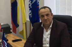 Депутат Думы Ставропольского края Валерий Черницов провел прием граждан по вопросам жилищно-коммунального хозяйства.
