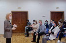 Вице-спикер Госдумы Ольга Тимофеева побывала в 10 школах Ставрополя