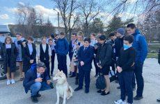 Андрей Юндин встретился с молодежью Труновского муниципального округа.