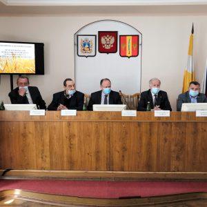 Анатолий Жданов принял участие в экономической конференции по подведению итогов аграрного года