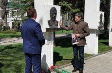 Дмитрий Судавцов принял участие в возложении цветов к памятнику Ивана Алексеевича Щипакина