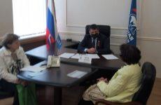 Александр Ищенко: Людям старшего поколения необходима сегодня помощь в решении насущных проблем,