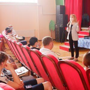 Ольга Тимофеева встретилась с жителями сел Сенгилеевского и Верхнерусского