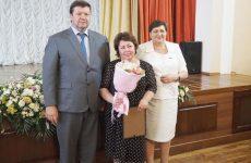 Депутат поздравила работников здравоохранения с профессиональным праздником
