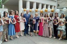 Игорь Николаев вручил дипломы выпускникам Железноводского пединститута