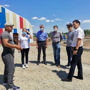 Дмитрий Судавцов проконтролировал ход выполнения работ по строительству школы зимних видов спорта «Наследие» Ильи Авербуха